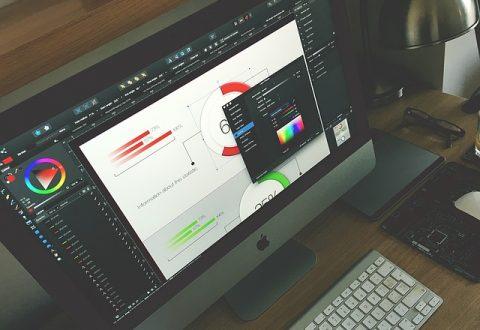 graphic-designer-1288477_640